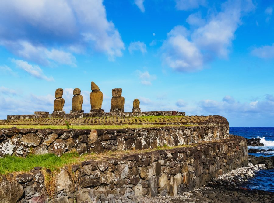 Moais On Easter Island Chile Pj3Fx26 Resize