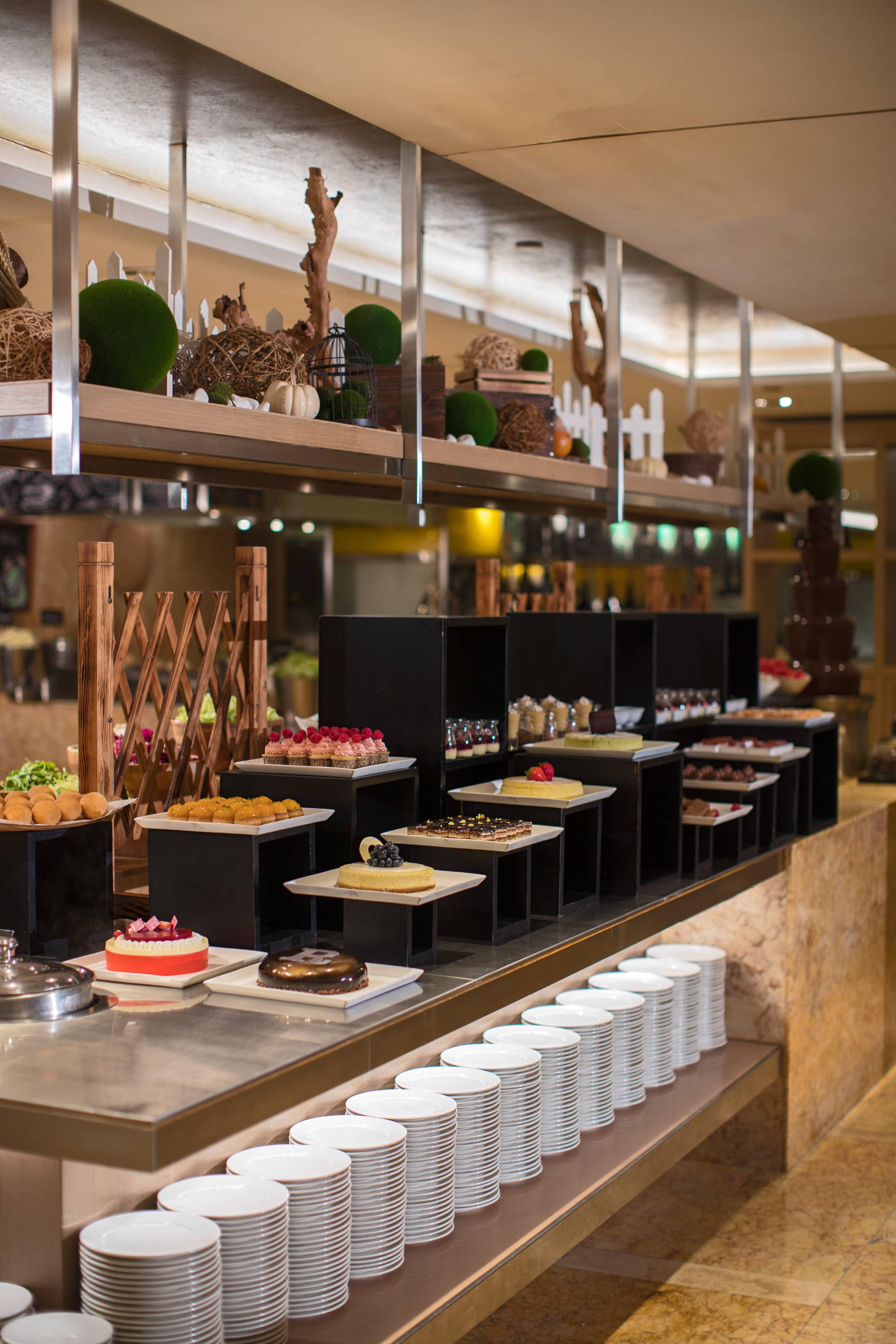 Cafe Marriott2 4